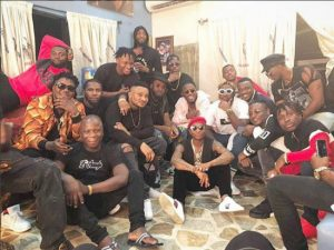 Wizkid Sits On The Floor Has He Poses With Ycee, Mastercraft, CDQ, BOJ & Others
