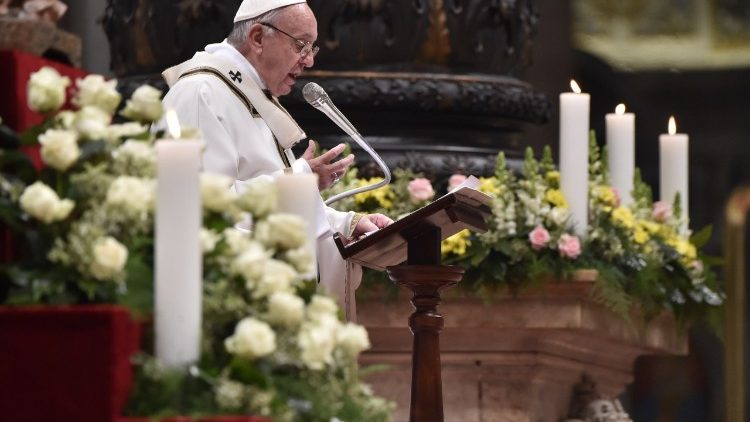 Pope Francis Preaching Photo
