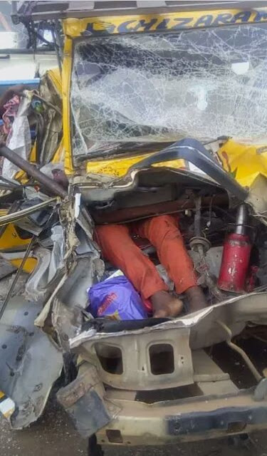 OMG: Several Passengers Killed In Fatal Accident Along Enugu-Onitsha Expressway (See Photos)