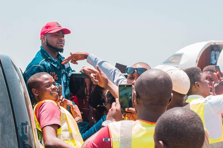 Davido And Chioma Visit Sierra Leone, See Fans That Welcomed Them (Pics)