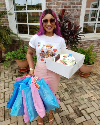 tonto-dikeh-steps-out-in-purple-hair-2