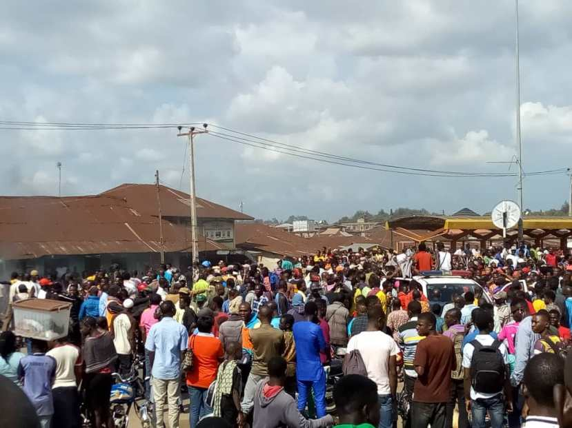 Protest rocks Ondo as Civil Defence kill two siblings [PHOTOS]