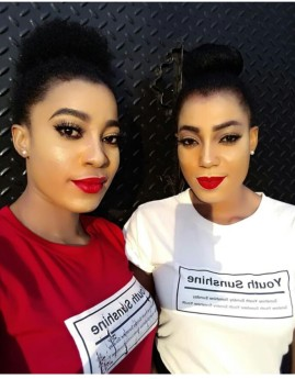 tracy-and-treasure-daniels-share-make-up-free-photos-2