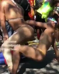 bouncer-throws-man-away-for-dancing-with-his-girlfriend-1