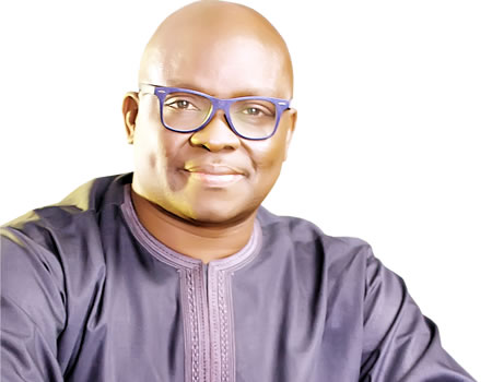 EFCC Replies Governor Fayose, Asks Him To Make Self Available On September 20