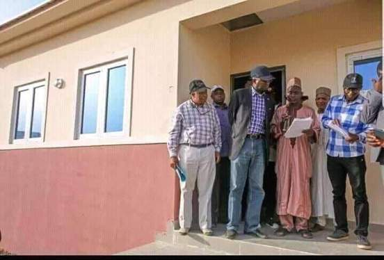 fashola-inspects-construction-of-houses-in-jigawa