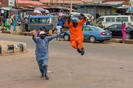 governor-aregbesola-and-oyetola-celebrate-on-the-streets-after-election-2