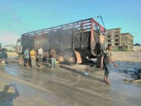 ipob-members-set-trucks-on-fire-in-rivers-state-1