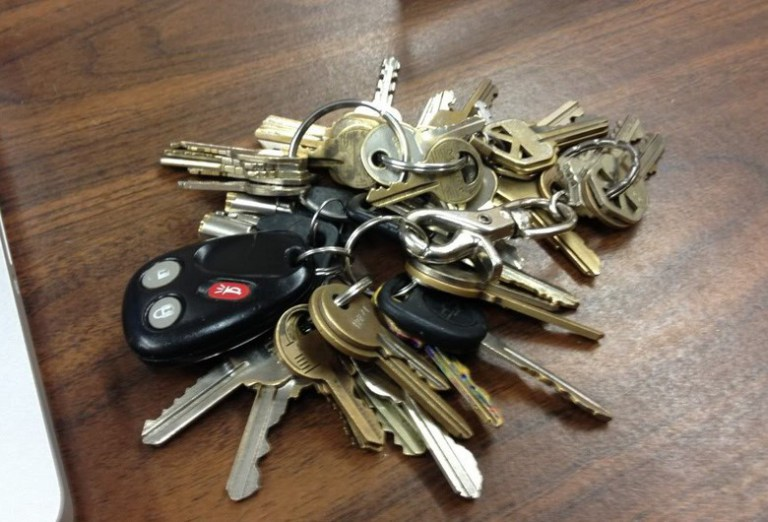 Why Having Too Many Keys Attached To Your Car Keys Is Bad