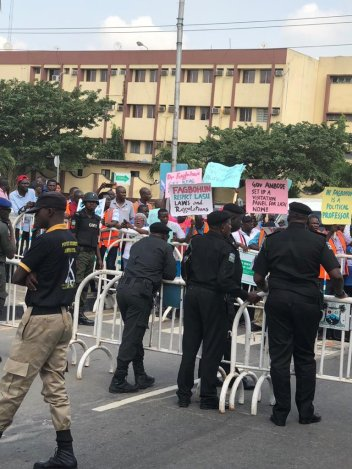 'The VC Is A Political Professor': LASU Lecturers Protest Against Their VC (Photos)