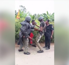 Three Policemen Beat Okada Rider At Checkpoint In Enugu Over N50 (Photos)