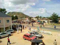 thugs-fight-and-destroy-apc-campaign-offices-in-jalingo-1
