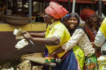 Traders Celebrating After Receiving Trader Moni In Ibadan (Photos)