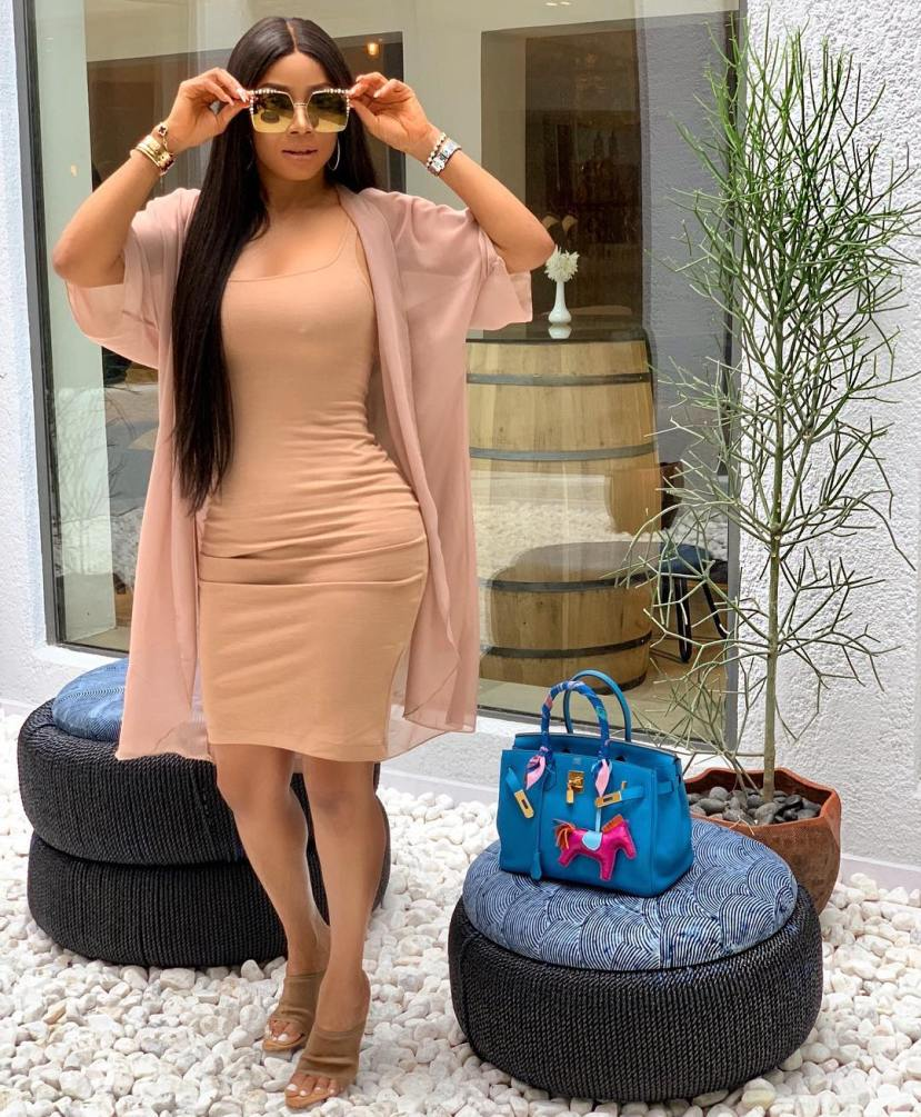 Toke Makinwa brags about ability to snatch her ex from new girlfriend