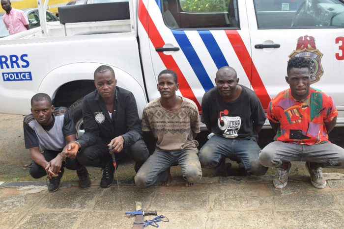 Photos: Hoodlums Nabbed While Fleeing Into Lagos After Robbery In Ogun