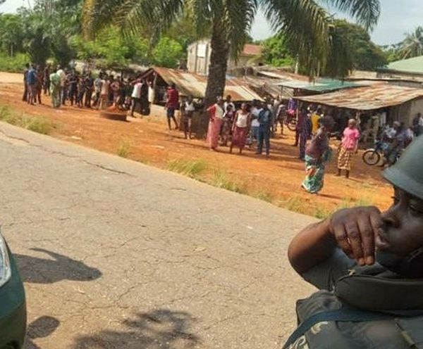 Bricklayer Killed By Stray Bullet During Clash Between Custom Officers And Smugglers In Ogun State